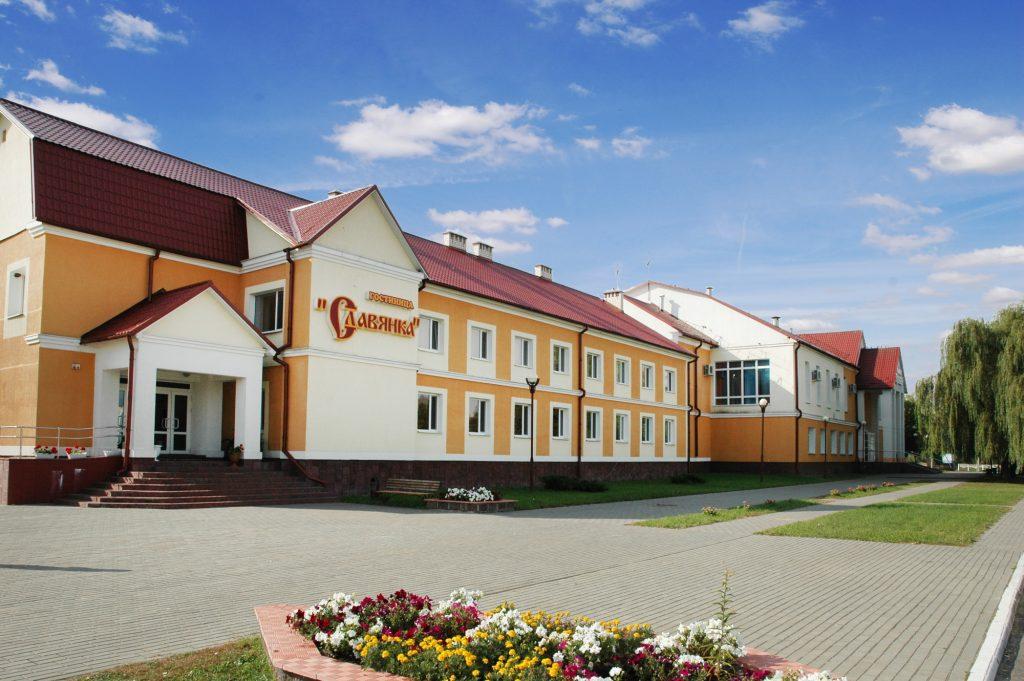 Гостиница Славянка в Томашовке